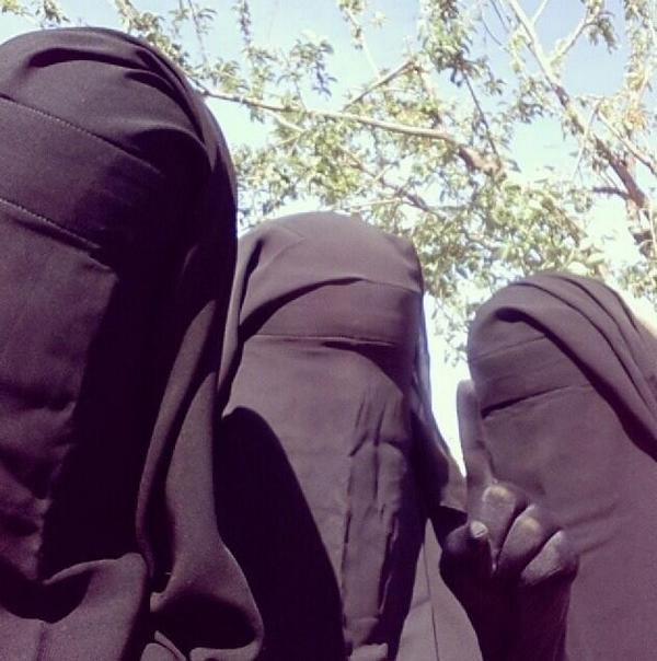 donne-isis-1